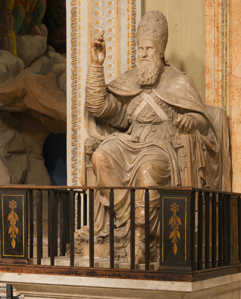 Statue_Paul_III