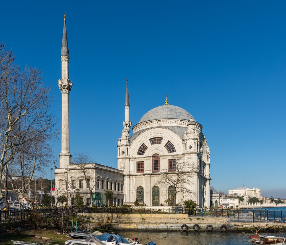 Dolmabah%D1%81e_Mosque