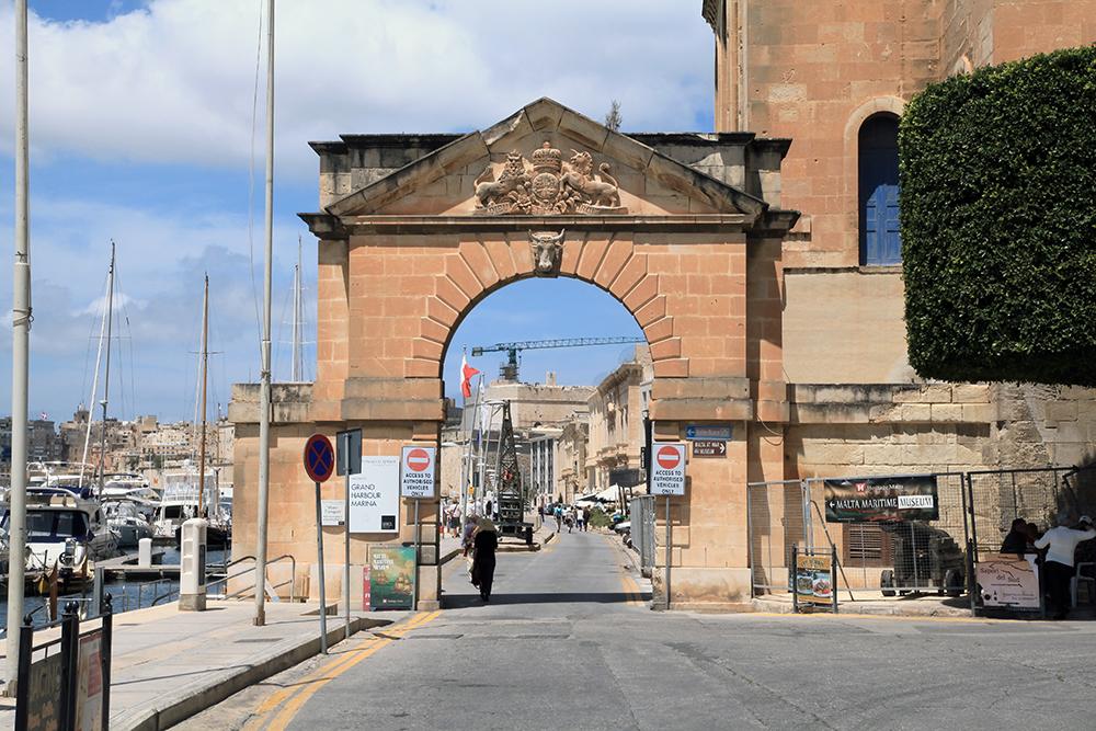 Admiralty_Gate